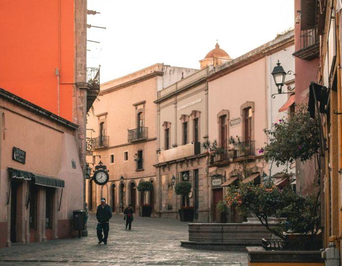 Querétaro: andador 5 de mayo, el más bonito del estado