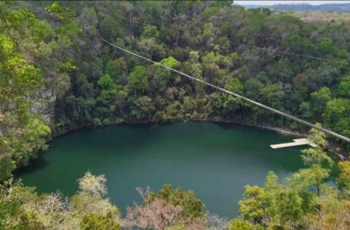 Cenote Azul de Miguel Colorado: un mundo de aventura y diversión