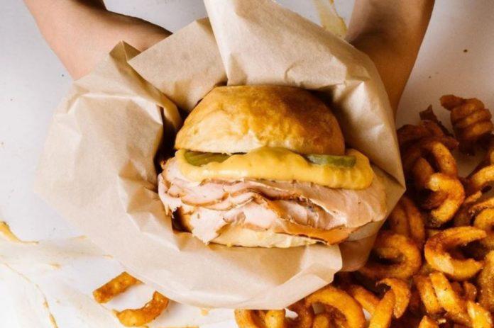 Elvis Sándwiches: Los reyes del sándwich ahumado en CDMX