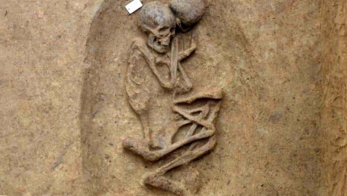 Hallan 110 tumbas en Egipto