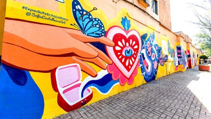 Mano amiga, mural en La Ciudadela