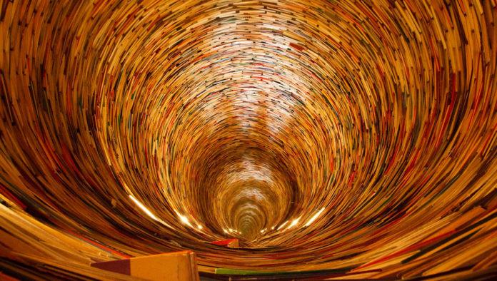torre de libros en praga