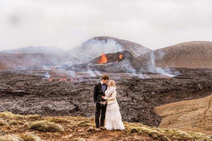 VIDEO: Pareja toma sesión de fotos de su boda en volcán en erupción