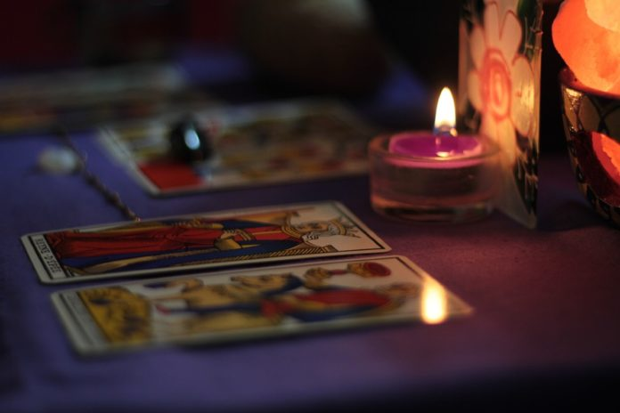 Déjate hechizar y lánzate al Mercado de Magia y la Feria de Oráculos