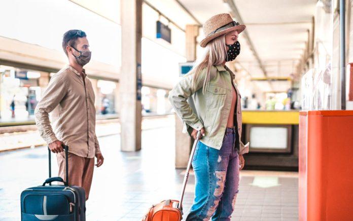 ¿Puedes viajar con líquidos mayores a 100 ml. en equipaje de mano? Entérate