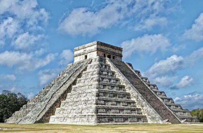 Hallan pistas sobre el ocaso de la civilización maya en restos de heces humanas
