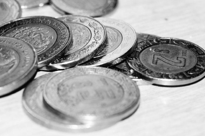 ¿Cómo saber que te dieron monedas falsas?