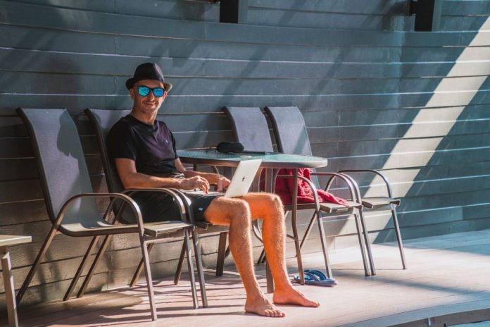 ¿Quieres ser un Nómada Digital y viajar mientras trabajas?