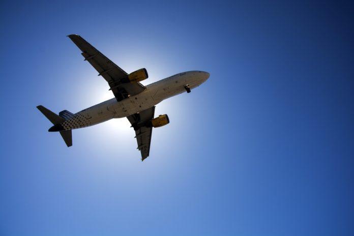 ¿Volar de oeste a este es más rápido? Aquí te lo decimos