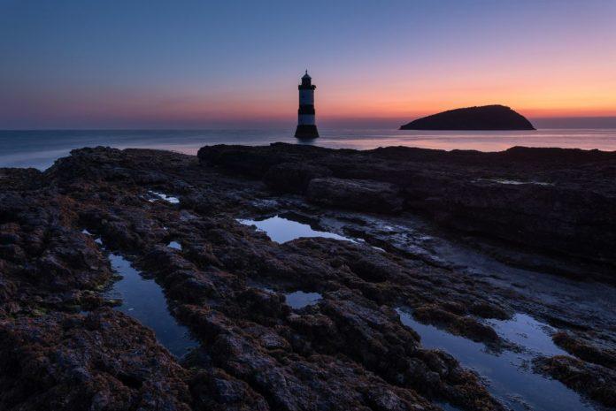Captan bioluminiscencia en Penmon Point, Reino Unido, y se hace viral