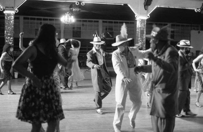 Salón Los Ángeles, el paraíso del baile y los atuendos brillantes