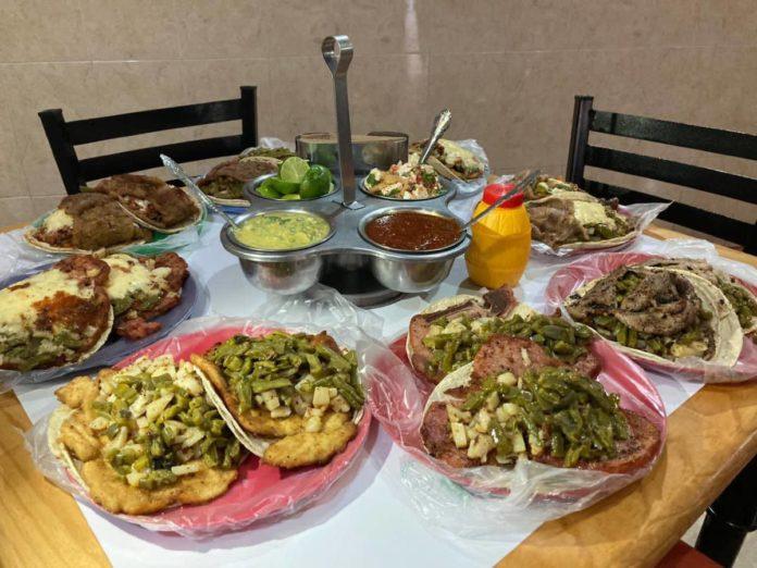 ¿Hambre? Lánzate a los tacos gigantes de milanesa en la CDMX
