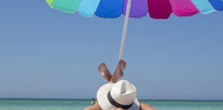 Cuida tu piel durante tus vacaciones con estos tips