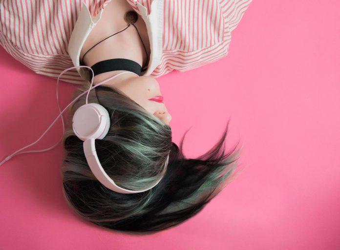Música: 5 canciones que te harán viajar por el mundo