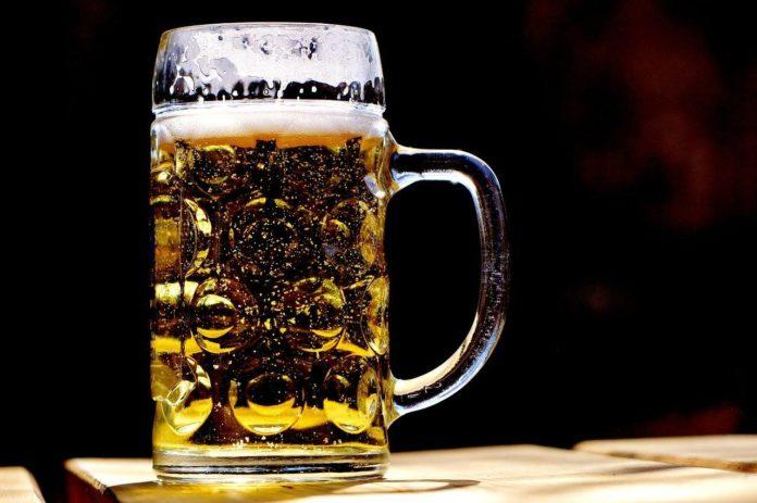 ¿Cerveza con durazno? Prueba esta delicia y refresca la garganta