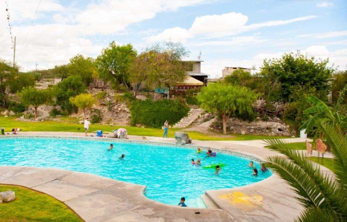 Las Cuevitas, un encantador balneario con cavernas y aguas termales que debes visitar