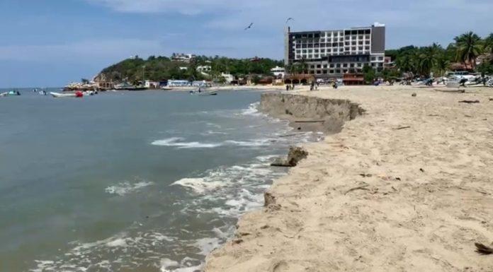 El mar se alejó 50 metros de la playa en Puerto Escondido