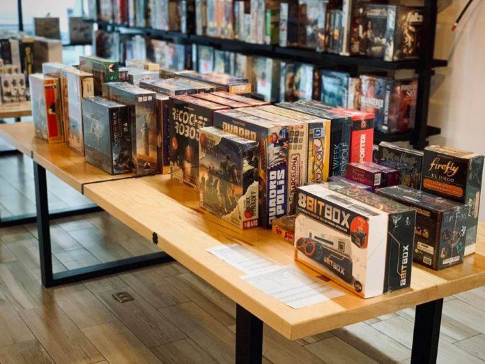 ¿Te gustan los juegos de mesa? Date una vuelta por Raven Folks en CDMX