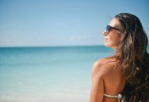 Vacaciones de verano: Ropa y accesorios que no pueden faltar en tu maleta