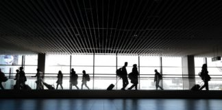 Defraudan a 250 mexicanos con la promesa de trabajar en Canadá