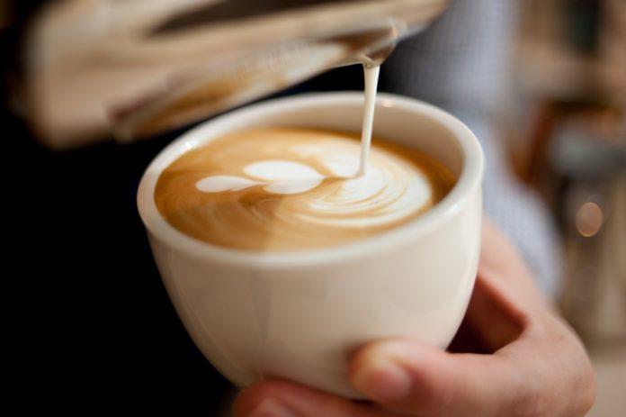 Café con leche en CDMX, tan lindos que te sacarán una sonrisa y no querrás beberlos