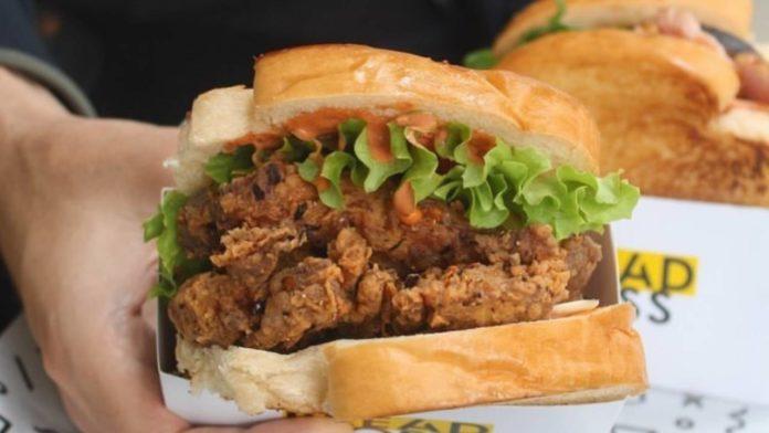 sándwiches de pollo frito